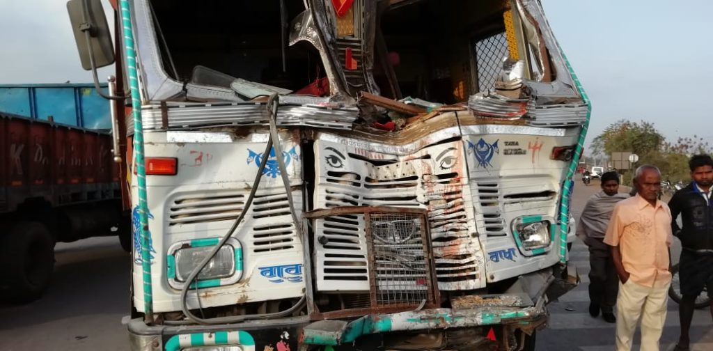 Two policemen killed, 29 injured in road collision