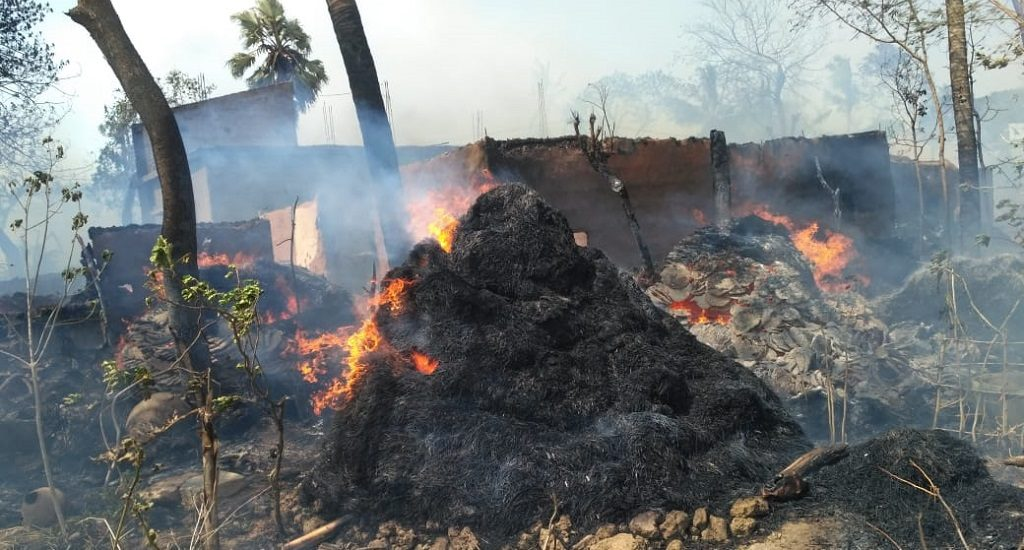 60 houses gutted in fire, seven injured