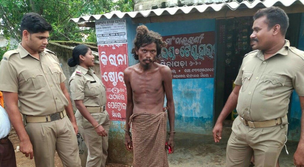 Kalahandi administration shifts chained siblings to mental hospital