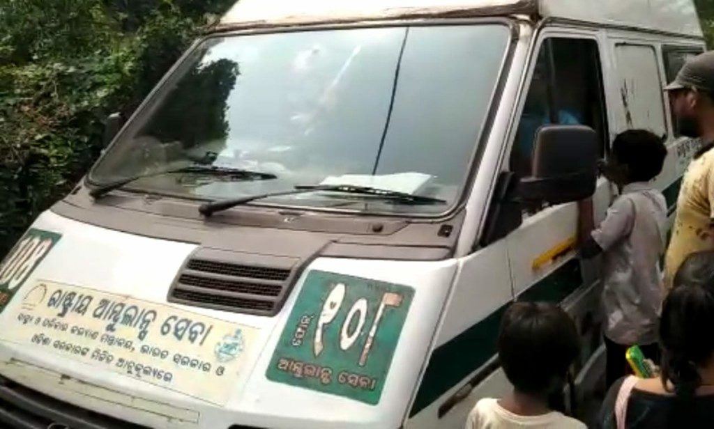 Ambulances flout law, unlicenced helpers drive around Jagatsinghpur