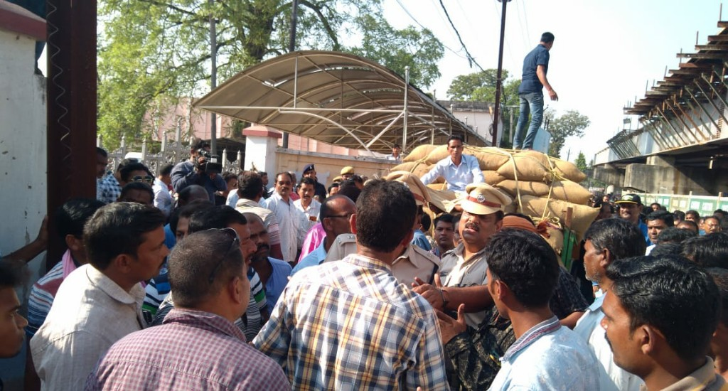 Farmers get jittery due to delay in paddy procurement