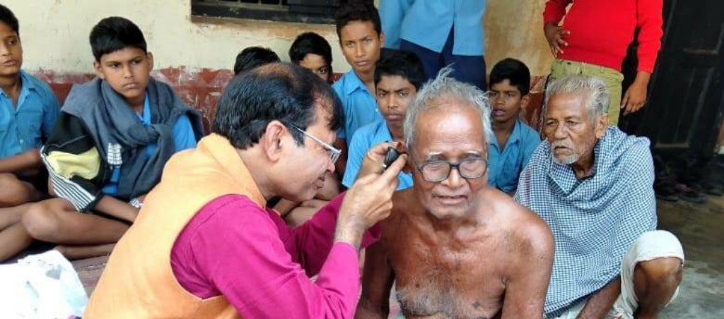 NRI doctor visits ancestral village to help poor and needy