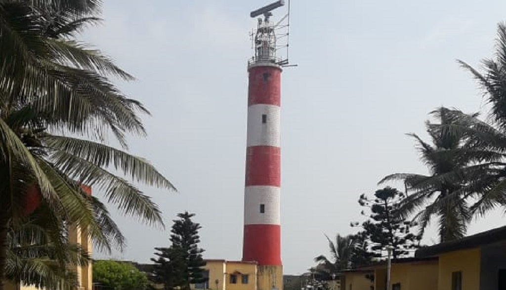 Residents urge authority to develop lighthouse, allow climbing