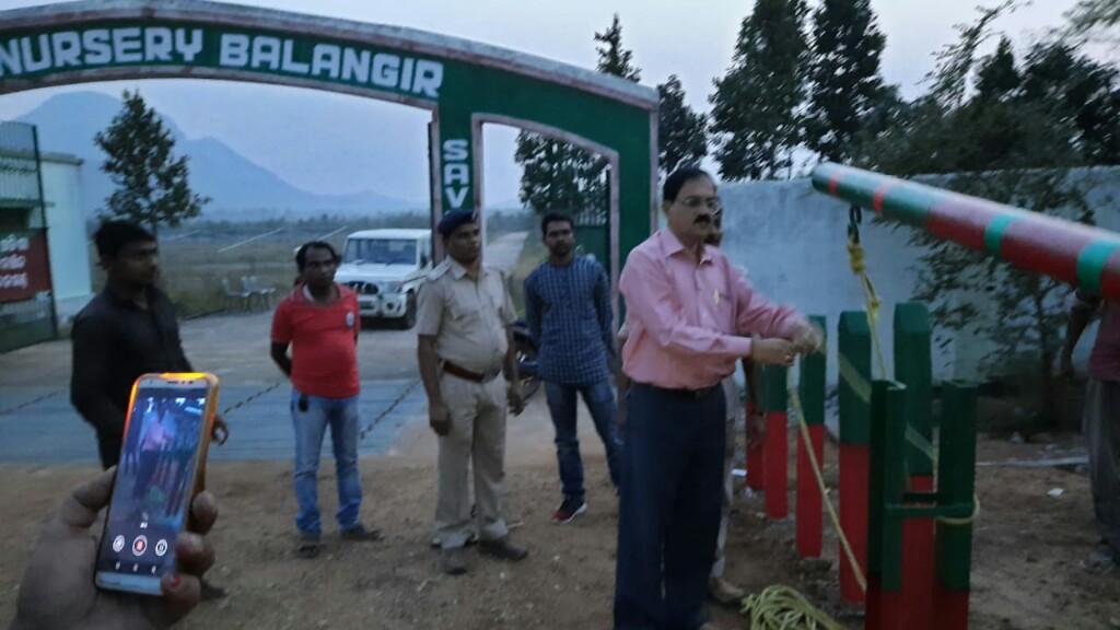 Check gate set up to restrict crowd, polluters at Mini Harishankar