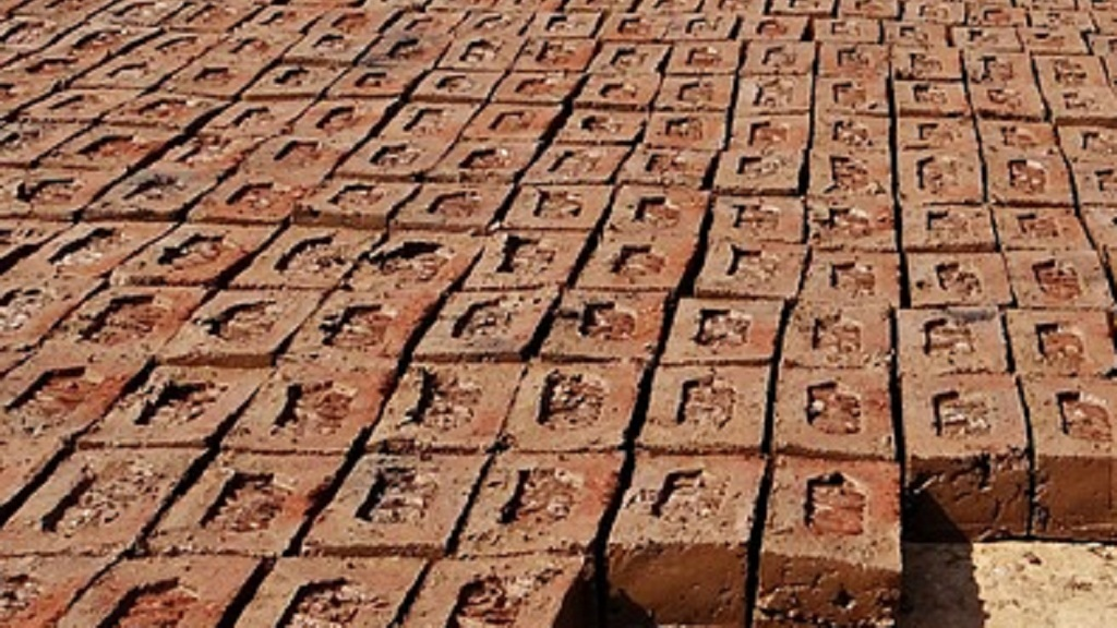 Locals decry administration decision to shut brick kilns