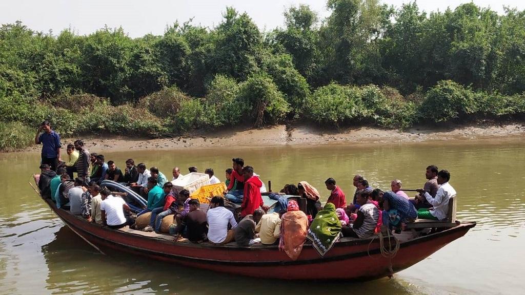 No life jacket, boat ride violates safety rules