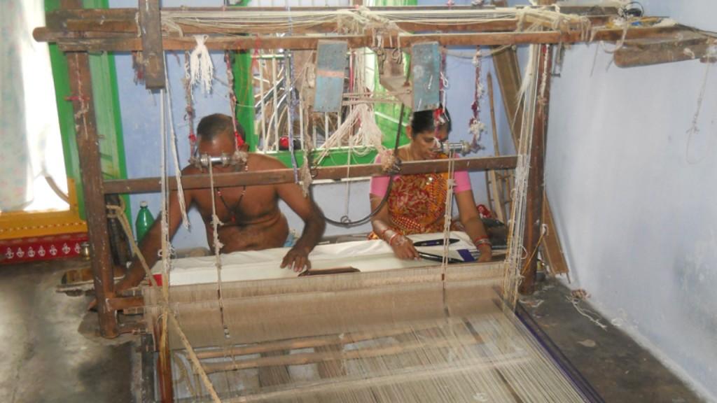 Corona outbreak hits silk saree makers in Berhampur